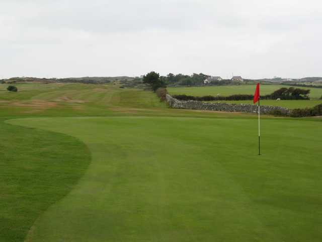 Scenic view of the 12th green at Holyhead Golf Club