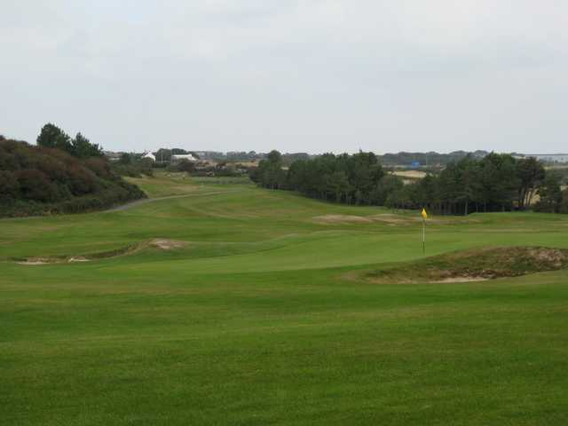 Scenic view of the 18th hole at Holyhead Golf Club