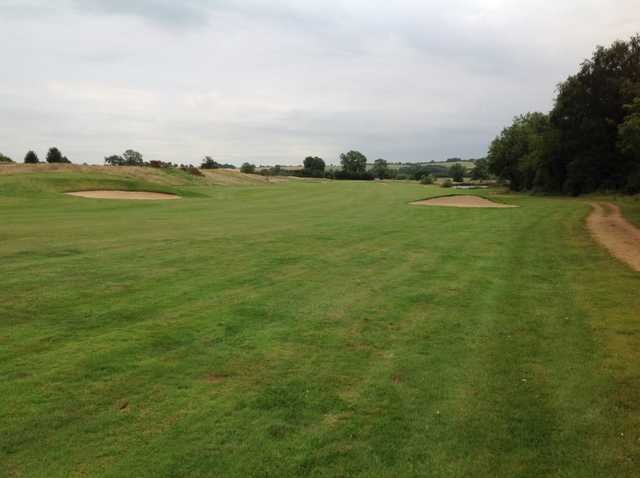 The 10th approach at Kilworth Springs Golf Club