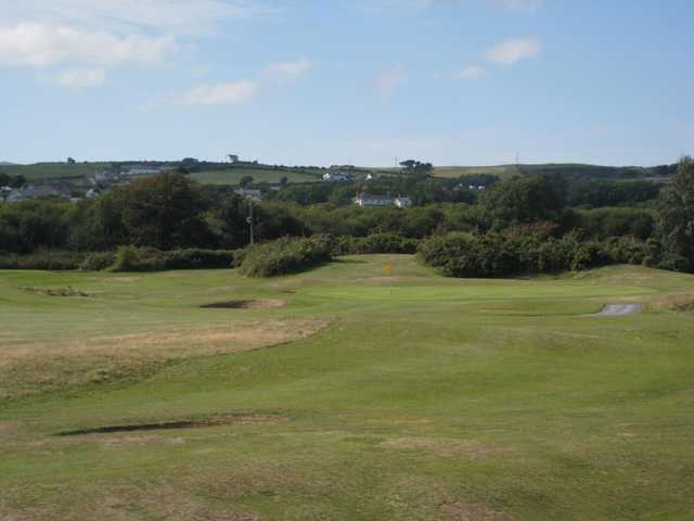 A view of the 11th approach at Abersoch GC