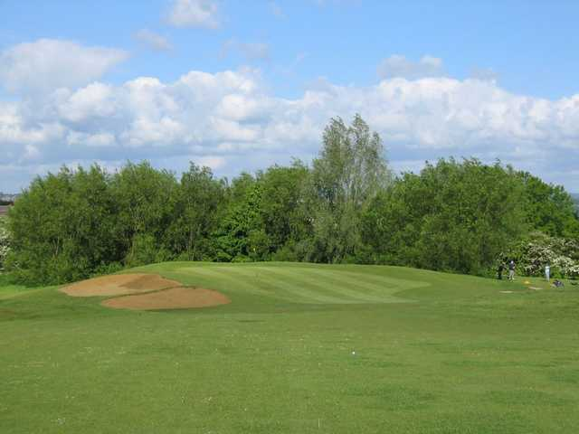 Sloping quick green on the 2nd hole at Humberstone Heights