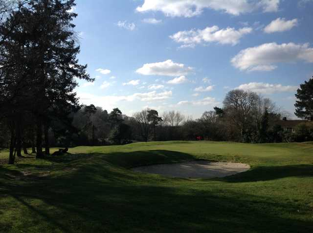 The 1st green and greenside bunker Southampton City Golf Club