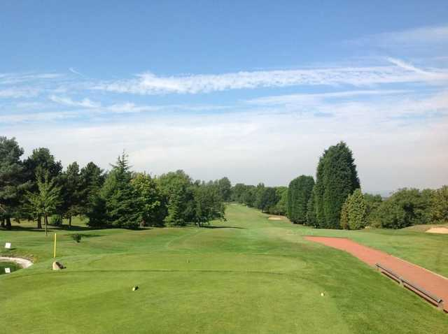View down the fairway from the 9th tee at Scraptoft