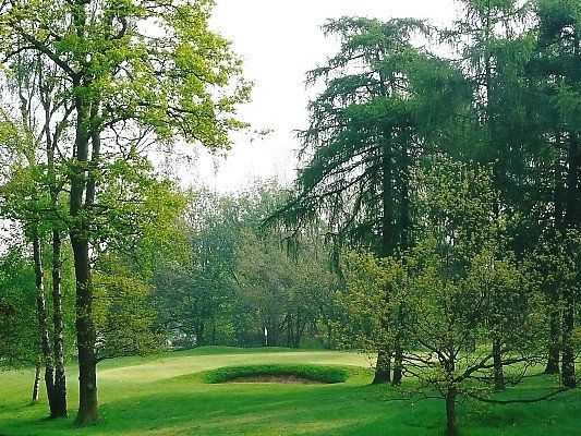 Idyllic landscape of Ashby Decoy Golf Club