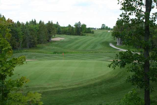 View of the 3rd hole at Cardinal 18 Golf Club.