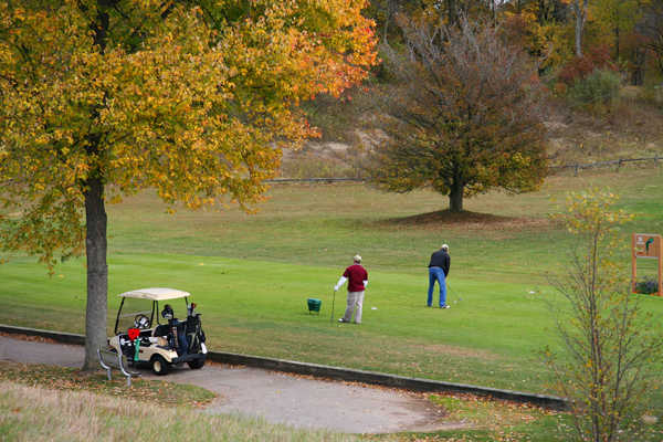 A fall view of a tee at Willow Metropark Golf Course