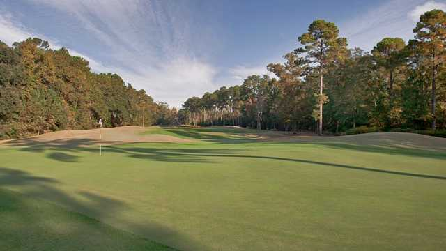 View of the 18th green at Crescent Pointe Golf Club
