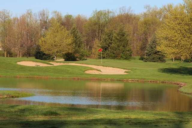 View of a bunkered green at Foxfire Golf Club