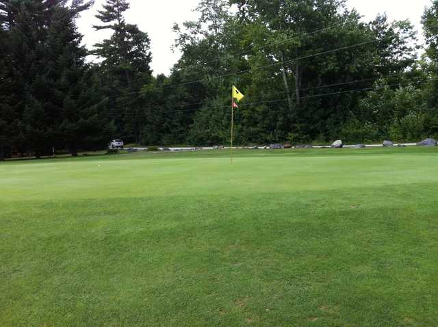 A view of a green at Salmon Falls Golf Club