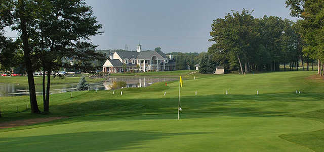 A view of the 1st hole at Brentwood Golf & Country Club