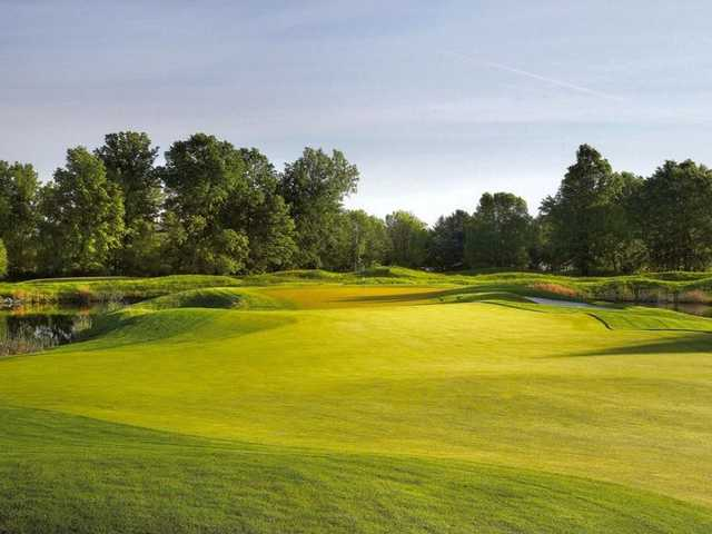 A view of fairway #1 at Jefferson Golf & Country Club