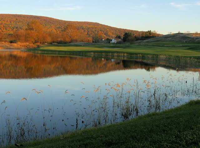 Fall view of the 9th hole at Maryland National Golf Club