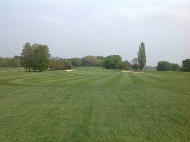 An inviting tee shot at Hoebridge Golf Centre