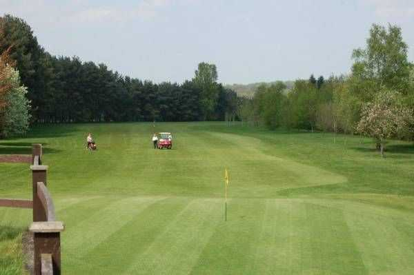 Manicured greens at Kenilworth