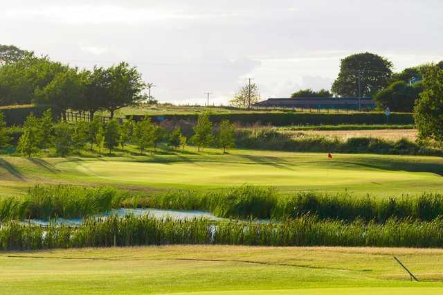 4th green at Burstwick Golf Club