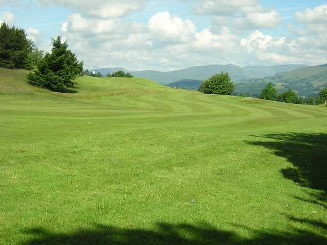 Fairways follow the natural contours of the region at Kendal