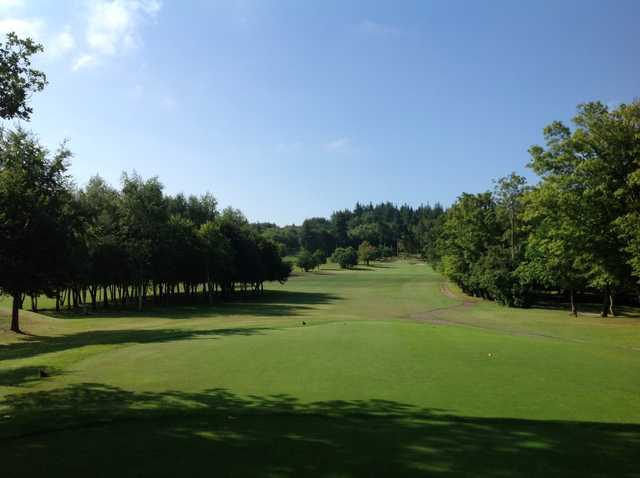 Scenic view from the 1st tee down the fairway at Westerham Golf Club