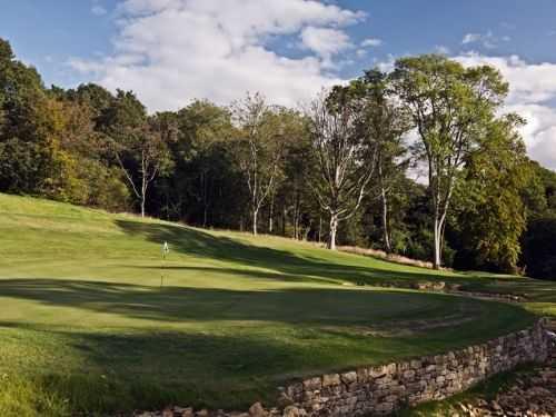 13th green at Heythrop Park Golf & Country Club