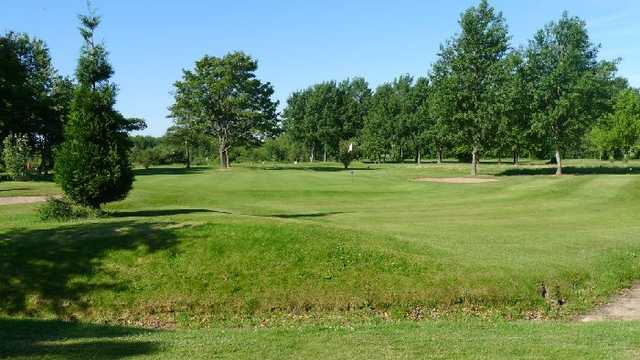 Immaculate fairways and a stream on the 15th to challenge your game