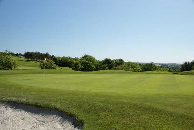 Well maintained greens and bunker