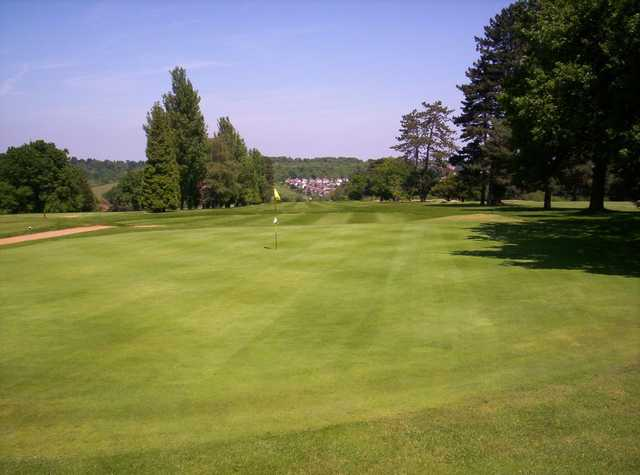 A greenside view of the 7th hole at Chipstead