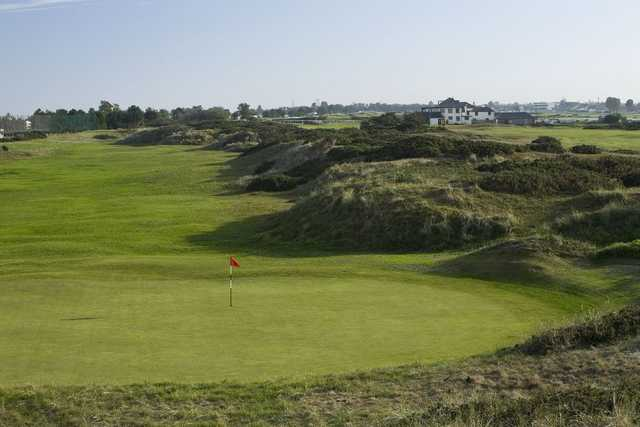 Great Yarmouth & Caister Golf Club: View from a green down the fairway