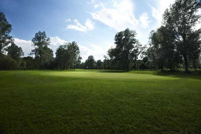 Protected green at Benton Hall Golf Club