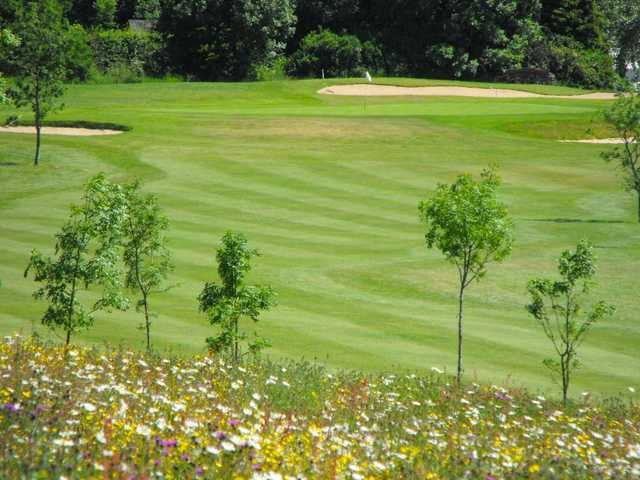 Large open fairway at Henley Golf Club