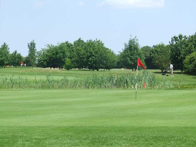 1st and 3rd green at the Fynn Valley Golf Club