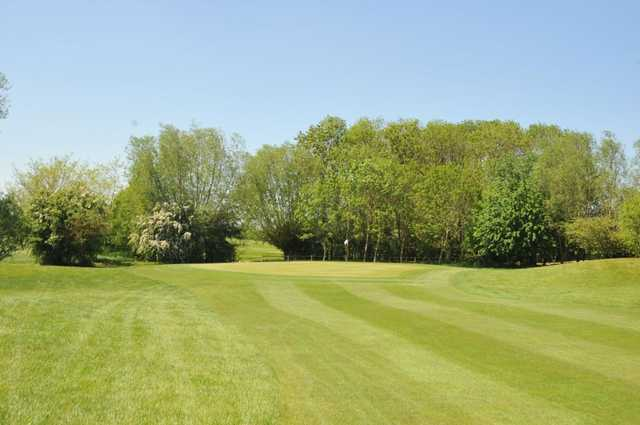 The approach to the 12th at Witney Lakes