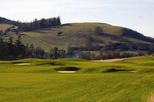 Bunker guarded greens at Cardrona
