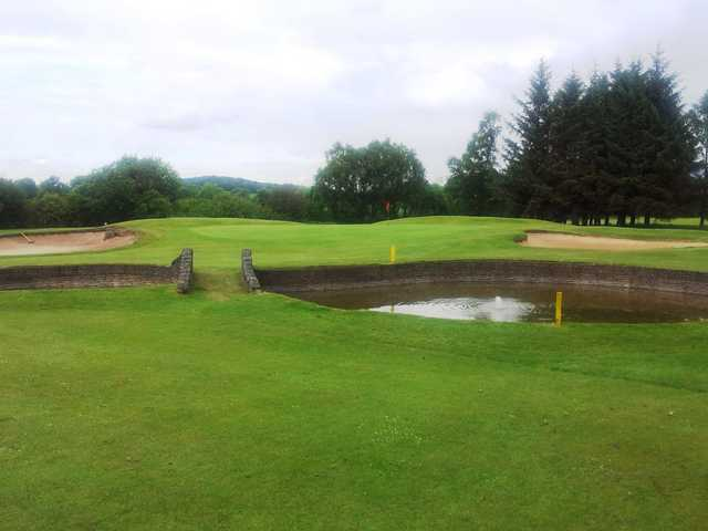 The 10th green at Renfrew Golf Club