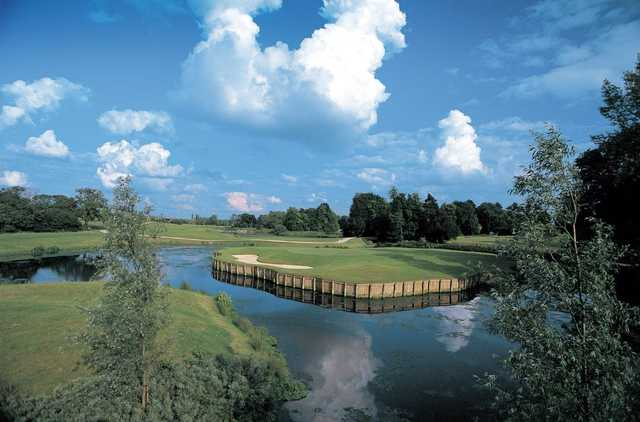 The final hole at Collingtree Park  is a true test of your accuracy