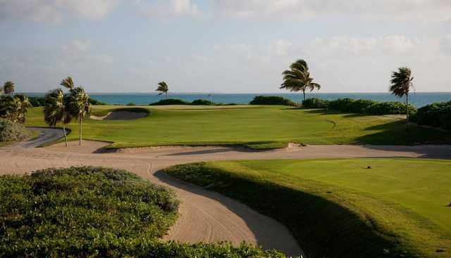 View of the 15th green at El Camaleon Mayakoba Golf Club