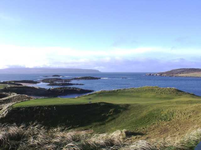 A view of a green at Cruit Island Golf Club