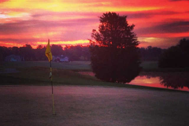 Sunrise light over hole #9 at Cricket Ridge Golf Course