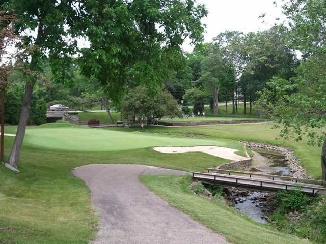 A view of a green at Hillcrest Country Club