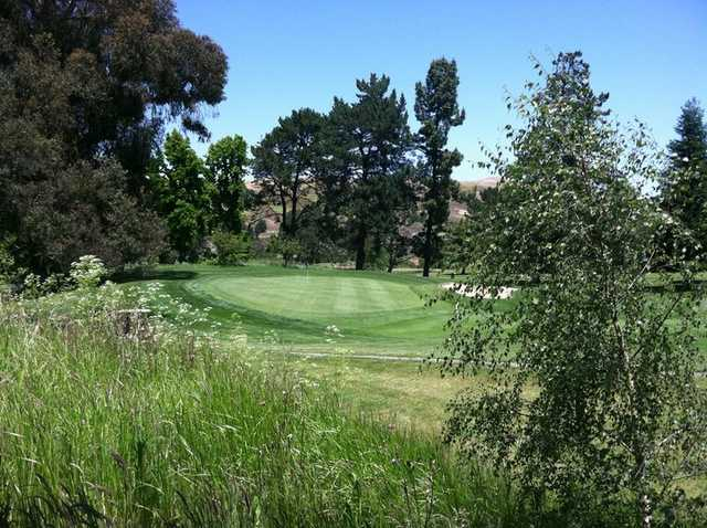 A view of green at Franklin Canyon Golf Course
