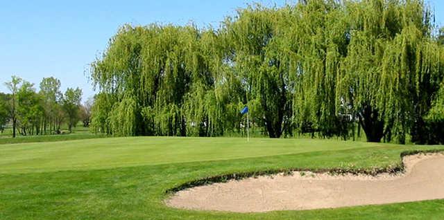 A view of a green at Bent Oak Golf Club