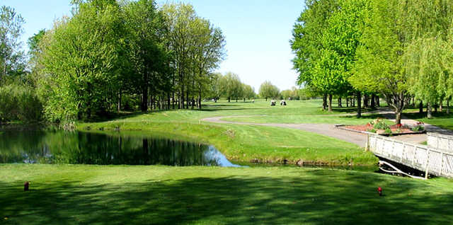 A view from a tee at Bent Oak Golf Club