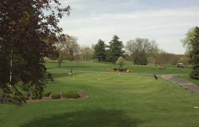 A view of the practice putting green at Maplecrest Country Club.