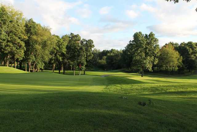 A view of a green at Knollwood Country Club