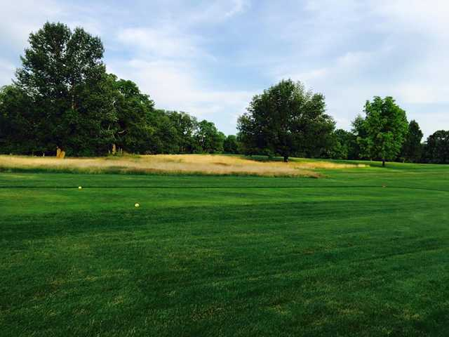 A view of a tee at Green Acres Golf Club