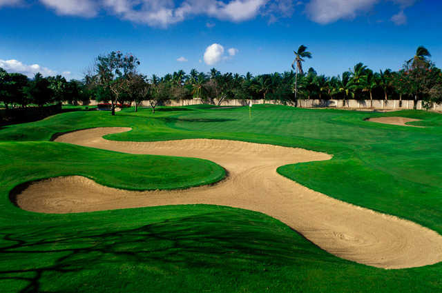 A view of a bunkered green from the Vidanta Golf Acapulco