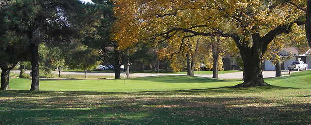 A fall day of a green at Waukon Golf & Country Club