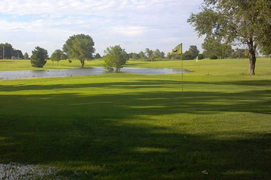 A view of a hole at Tee Time Golf & Cafe