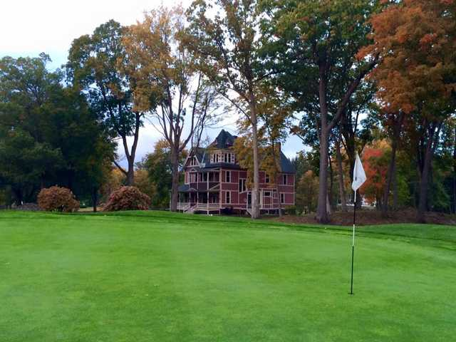 A fall view of a green at Northfield Golf Club