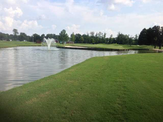 A view of a green with water coming into play at Shiloh Ridge Athletic Club