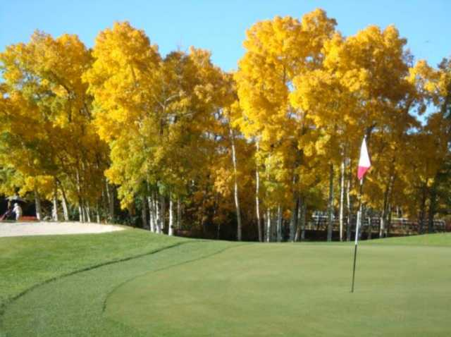 A fall view of a hole at Valley View Golf Club