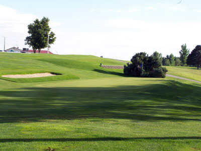 A view of green #9 at Lakeside Country Club